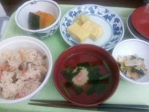 4月3日夕食(炊き込みご飯が嬉しかった!)