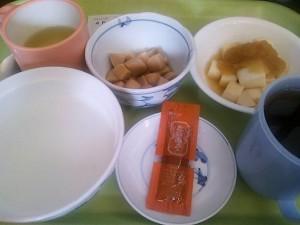 4月1日昼食(初めての固形物)